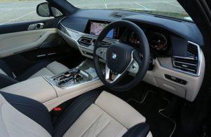 危険なビーナス 車 BMW 値段